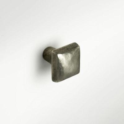 Foundry Art Cabochon knob White Bronze mounted copy
